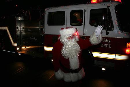 Santa Claus (David Plante) arrives on Engine 21 (2011)